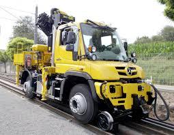 100 Shunting Trucks Unimog U 423 Roadrail Version Concept 2016 MercedesBenz Is