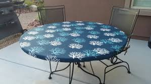 Outdoor Tablecloth With Umbrella Hole Uk by Round Vinyl Outdoor Tablecloths Starrkingschool