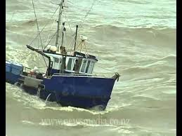 Wicked Tuna Dave Boat Sinks by Fishing Boats Nearly Capsize And Sink Entering The Greymouth River