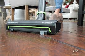 Bissell Hardwood Floor Vacuum by How To Keep Hardwood Floors Clean Year Round With Bissell