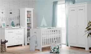 chambre bebe bois massif chambre complète pour bébé bois massif catalogne