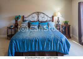 king bett in blau schönes schlafzimmer mit doppelbett in