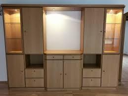 wohnzimmerschrank eiche hell modernes design beleuchtet