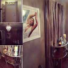Tanning Bed For Sale Craigslist by This Spray Tan Salon Uses Versare U0027s Privacy Screen With Opal