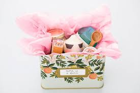 Going To Make The Sweetest Spa In A Box For You Gift Your Mama Weve Got Three DIYs And Few Other Must Haves Kit Below
