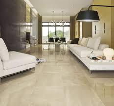 fliesen in steinoptik beige evoque glanz wohnzimmer idee