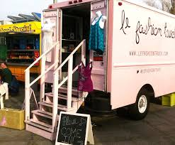 Le Fashion Truck: Mobile Boutique Stops! | Boutique Decor | Mobile ...