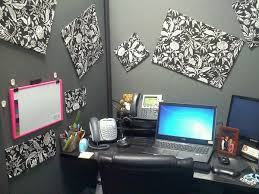 Funny Christmas Cubicle Decorating Ideas by 20 Creative Diy Cubicle Decorating Ideas Hative