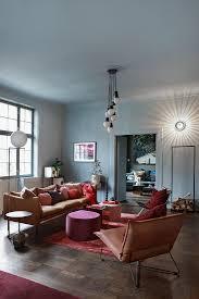ledersofa und sessel im wohnzimmer in bild kaufen