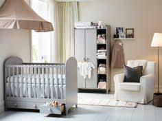 quand préparer la chambre de bébé chambre de bébé chambre de bébé déco lit table à langer