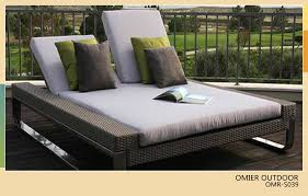 Luxury Modern Outdoor Double Sun Bed Rattan Lounger Furniture OMR S039
