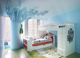 chambre avec lit superposé meubles enfants mezzanine lit superposé et berceau