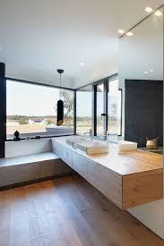 minimalistische fensterinspiration für ein badezimmer mit