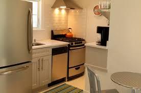 cuisines petits espaces cuisine moderne petit espace chaios com