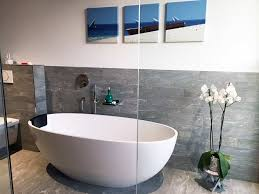 freistehende badewanne piemont medio aus mineralguss weiß