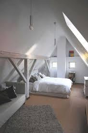 white attic dachboden schlafzimmer ideen wohnen wohnung