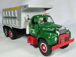 100 1960 Truck First Gear Mack Model B61 Tow 125 Scale