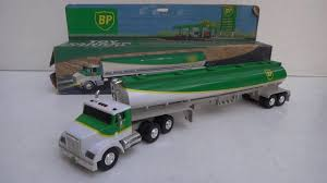BP TOY TANKER TRUCK - CAMINHÃO TANQUE DE BRINQUEDO COM BUZINA ... Peterbilt Truck With Flatbed Trailer And 2 Farm Tractors Diecast The First Two Hess Toy Minis For 2018 Have Been Revealed Rmz City Diecast 164 Man Oil Tanker End 372019 427 Pm Buy Fire Brigade Online In India Kheliya Toys Siku 1331 Scania Milk Shop Toys Instore Online Bruder Mack Granite Vehicle Bta02827 Adventure Force Big Rig Water Walmartcom 1911 Ladder Taylor Made Trucks Hersheys 3dome Tank Car Ex Tgs Fuel Kg Electronic Intertional Model Pullback Action 1950s Buddy L Texaco For Sale Antiquescom Classifieds