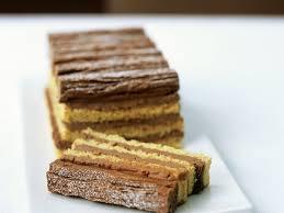 geschichteter kuchen mit milch schoko creme