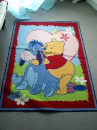tapis de chambre winnie l ourson vendu vends tapis winnie l ourson et bourriquet