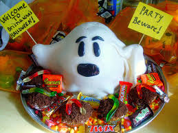 Razor Blade Found In Halloween Candy 2013 by Chica Chocolatina I Ain U0027t Afraid Of No Ghosts Halloween Cake
