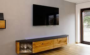 home office mit schreibtisch und sideboard
