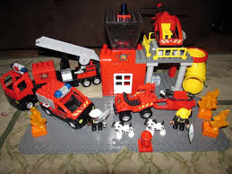 100 Fire Truck Plates LEGO DUPLO Man Lot Engine Helicopter Figures Dogs