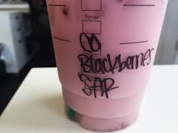 We Tried Starbucks New Pink Drink Thats Blowing Up On Instagram