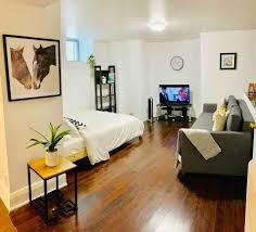 100 Bachlor Apartment Spacious Bachelor Apartment Parkdale Mansion Toronto
