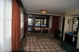 chambre standard sequoia lodge hôtel disney disney s sequoia lodge page 39