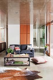 langgestrecktes offenes wohnzimmer mit bild kaufen