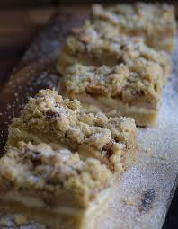 apfel cheesecake mit walnuss streuseln und karamellsauce