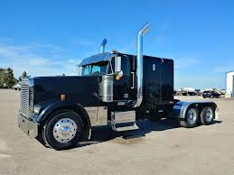 2002 Freightliner FLD132 Classic XL Sleeper Semi Truck For Sale ...