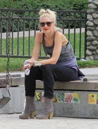 Carson Daly Halloween Gwen Stefani by Gwen Stefani Takes Zuma To The Park Zimbio
