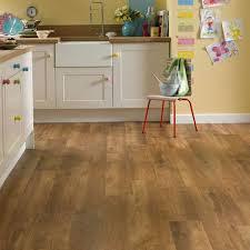 si colocas en tu suelo de cocina tarima roble ser磧 un acierto