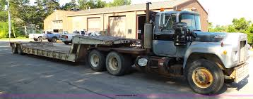 1981 Mack R686ST Semi Truck With Equipment Trailer   Item K5...