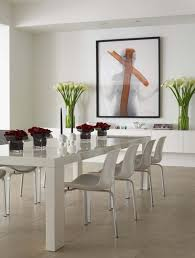 Casual Dining Room Decorating Ideas Is Embellished With White Tulips