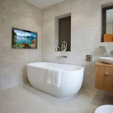 32 badezimmer tv