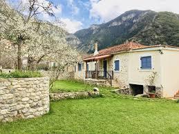 100 Kalavrita Stone Villa PLANITERO