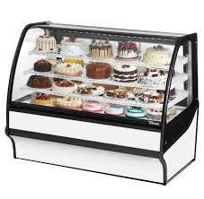 True TDM R 59 GE White Curved Glass Refrigerated Bakery Display