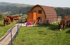 chambre d hote salers chaux de revel cabane p buron du vacher près de salers à