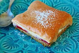 erdbeer vanille schnitten mit rhabarber curd