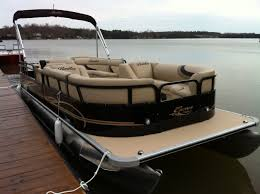 Captains Boat Chair Amazon by Best 25 Bentley Pontoon Boats Ideas On Pinterest Pontoons
