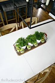 Simple Kitchen Table Centerpiece Ideas by Best 25 Kitchen Table Centerpieces Ideas On Pinterest Everyday