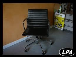 fauteuil de bureau charles eames fauteuil charles eames ae 117 119 mobilier design mobilier de