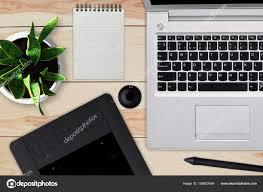 telecharger un bloc note pour le bureau bureau en bois avec ordinateur portable bloc notes avec feuille