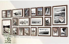 de bilderrahmen collage wohnzimmer massivholz