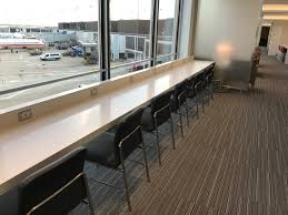 Aadvantage Executive Platinum Desk by A Look Inside American U0027s New Flagship Experience At Chicago O U0027hare