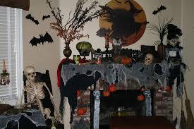 Halloween Fireplace Mantel Scarf by Halloween Mantels Spooky Decorating Ideas Eye Wreath Skull Spooky