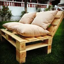 canapé fabriqué en comment fabriquer un canapé en palette tuto et 60 idées